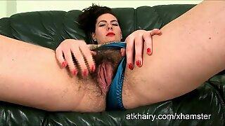 Hairy girl Eva introduces herself