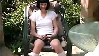 Hottie enjoying a gang-bang