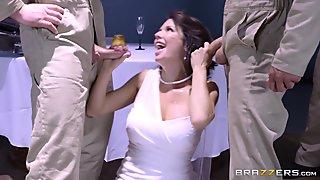Huge juggs porn milf DPed by huge cocks