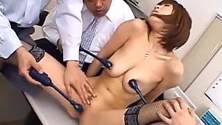 Japanese cougar Jun Kusanagi sucking cock